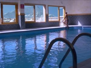 piscine résidence hauts de valmeinier