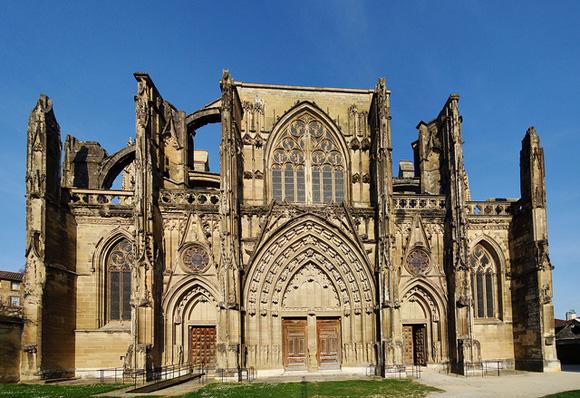 Saint-Antoine-l'Abbaye достопримечательности, путеводитель, что посмотреть