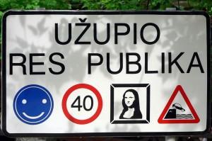 1280px-Lithuania_Vilnius_Užupis_sign