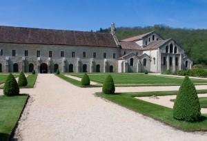 Abbaye de Fontenay - Eglise et Batiments