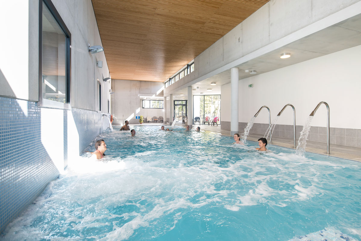 Hotel drome piscine interieure 28 images booking for Hotel piscine interieur